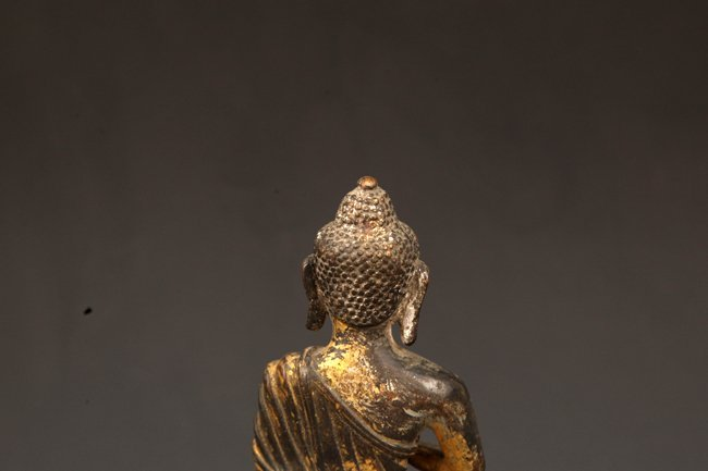 A GILT BRONZE BUDDHA - 6