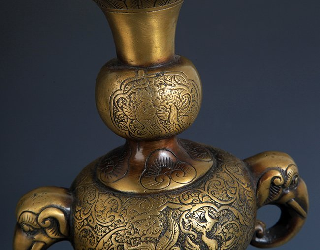 TWO DRAGON AND PHOENIX CARVING BRONZE CANDLESTICKS - 3