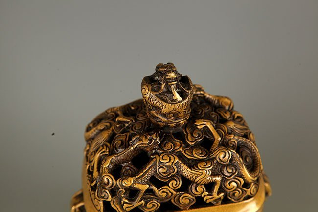 A DETAILED DRAGON CARVING BRONZE AROMATHERAPY - 3
