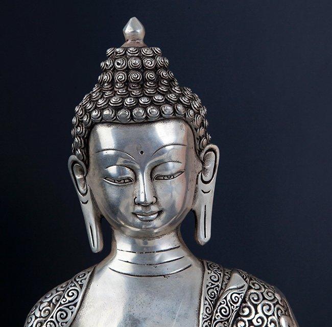 LARGE BRONZE TIBETAN BUDDHA - 5