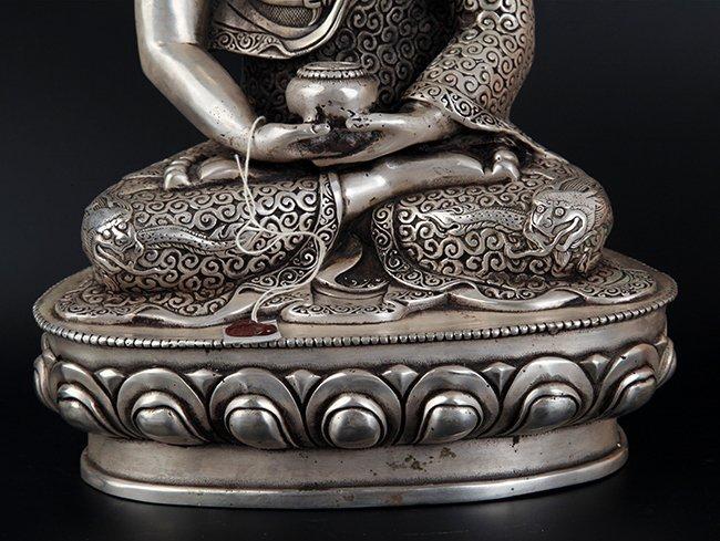 LARGE BRONZE TIBETAN BUDDHA - 7