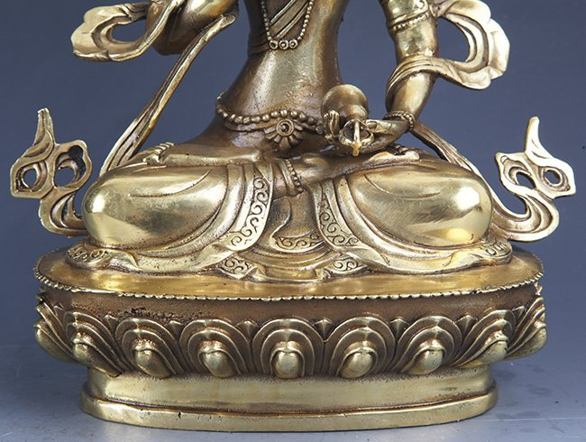 A FINELY CARVED GILT-BRONZE BUDDHA - 4