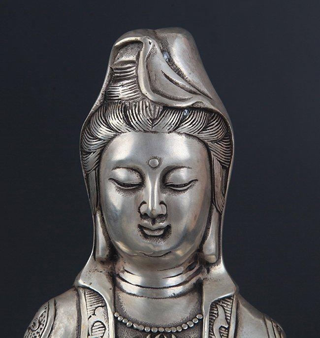 A FINELY CARVED GUAN YIN SHAPE BRONZE BUDDHA - 2