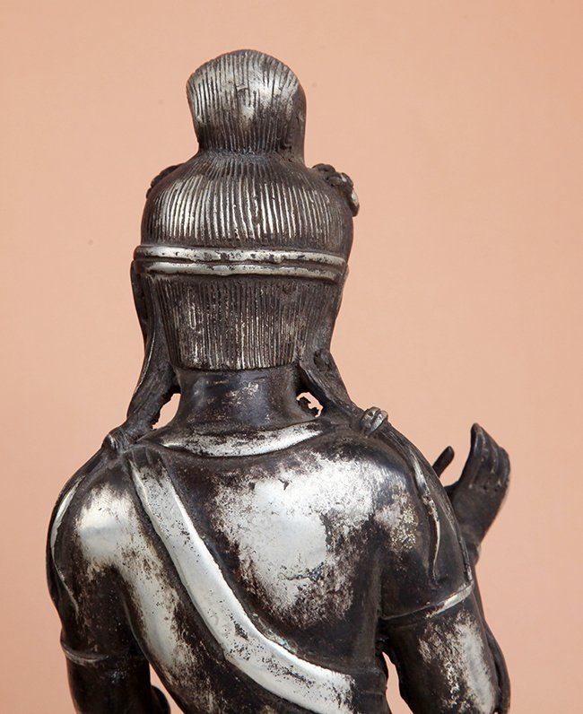 A TALL AND FINELY CARVED BUDDHA FIGURE - 3