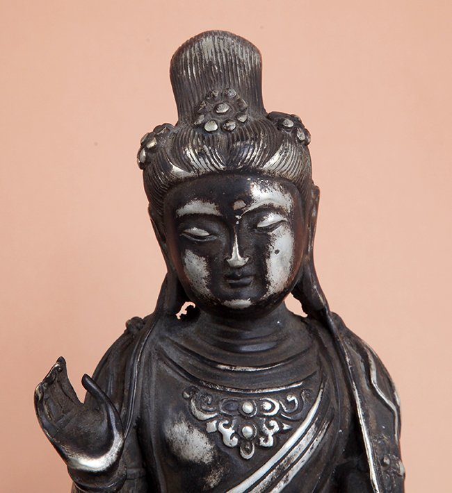 A TALL AND FINELY CARVED BUDDHA FIGURE - 4