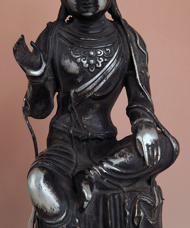A TALL AND FINELY CARVED BUDDHA FIGURE - 5