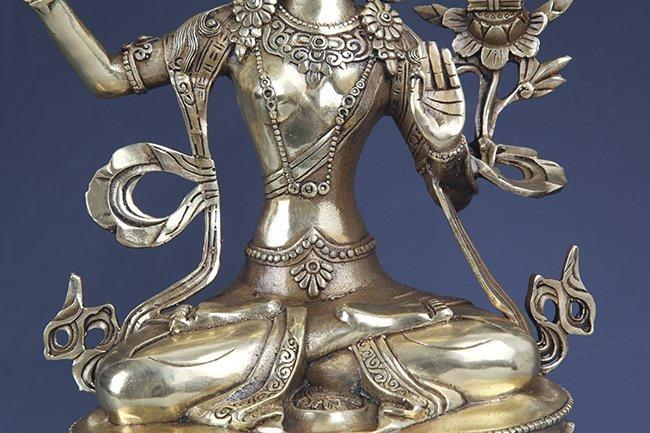 A DETAILED CARVED GILT-BRONZE BUDDHA - 3