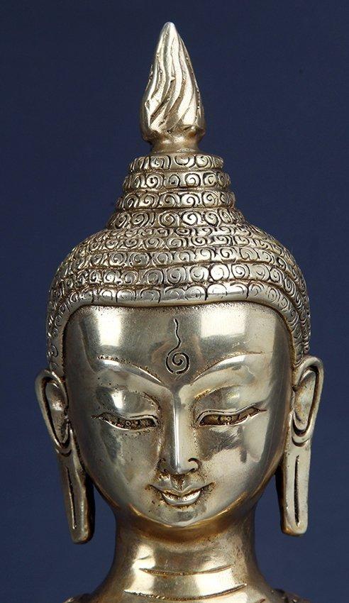 A VERY DETAILED CARVED GILT BRONZE BHAISAJYAGURU BUDDHA - 2