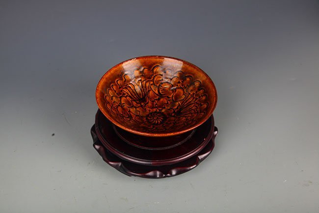 "A ""JI ZHOU YAO"" FLOWER CARVING PORCELAIN BOWL - 4"