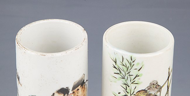 A PAIR OF FINELY PAINTED PORCELAIN BRUSH POT - 2