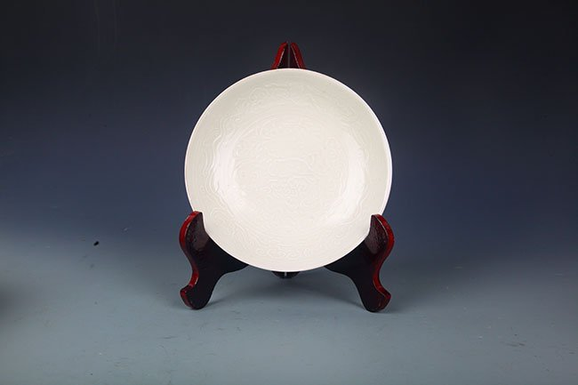 DING YAO WHITE COLOR GLAZED FLOWER PLATE