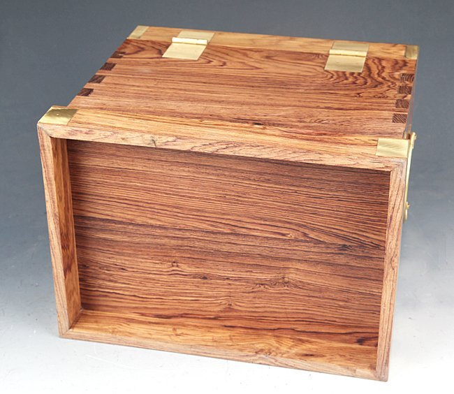 A FINE HUANG HUALI MU TABLE-TOP CHEST - 3
