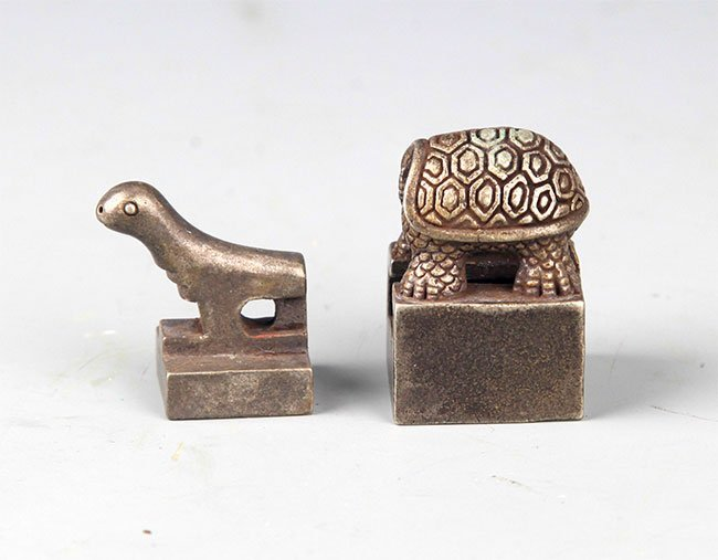 A FINELY TORTOISE SHAPED SILVER PLATED SEAL - 4