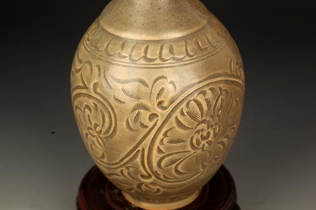 "A ""YAO ZHOU YAO"" GROWN GLAZE YU HU CHUN BOTTLE - 3"