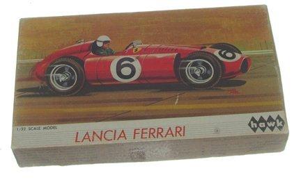 2511: Hawk 1965 Lancia Ferrari 1:32 Plastic Model Kit M