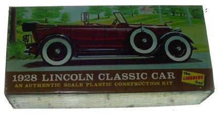 2513: Lindberg 1967 1928 Lincoln Classic Car 1:32 Plast