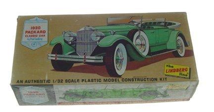 2514: Lindberg 1967 1930 Packard Classic Car Plastic Mo