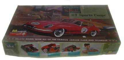 2515: Monogram 1964 Jaguar XK-E GT Sports Coup Plastic