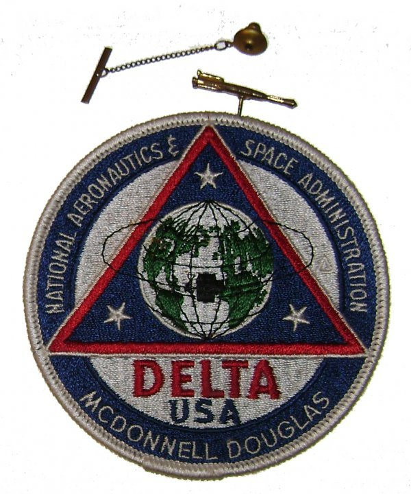 31: NASA Delta USA Mc Donnell Douglas Patch and Pin