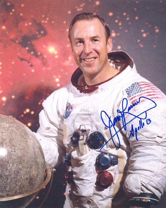 589: Apollo 13 Astronaut James Lovell Autograph