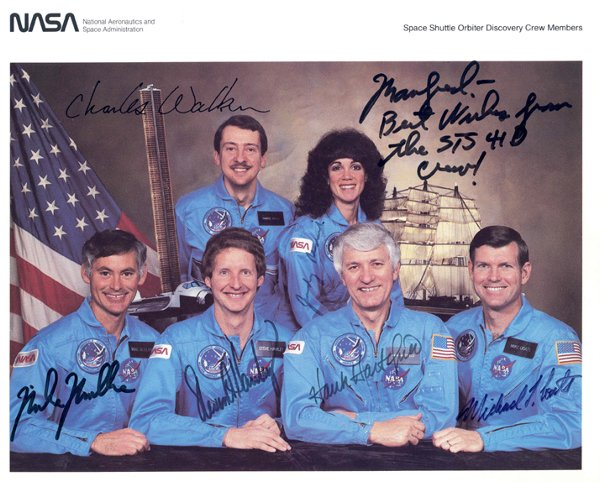 809: Crew Autographs from STS-41D, STS-36, STS-30, STS-