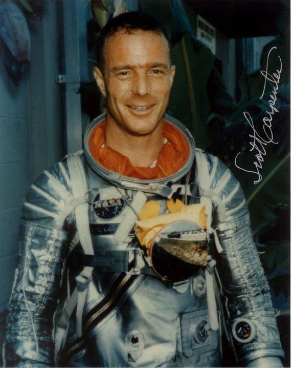 90082: Mercury Astronaut Scott Carpenter Autograph in b