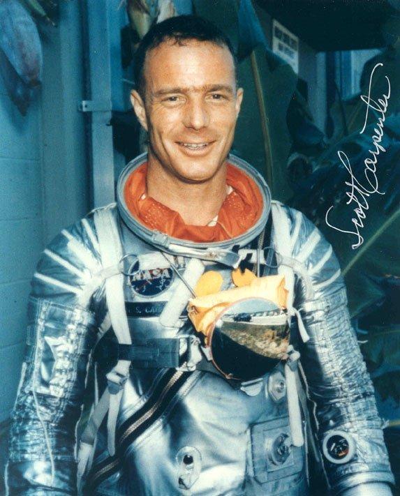 90083: Mercury Astronaut Scott Carpenter Autograph on a