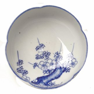 19: Blue and White Japanese Export Porcelain Bowl