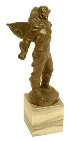 1930s, Heroic Balloonists Statue