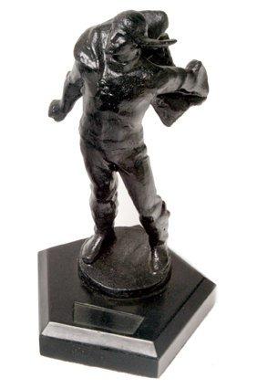 23: 1930s, Heroic Balloonist's Statue