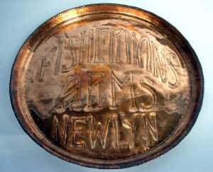 Newlyn copper circular tray with bevelle