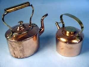 Victorian copper kettle with shaped spou