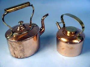 369: Victorian copper kettle with shaped spou