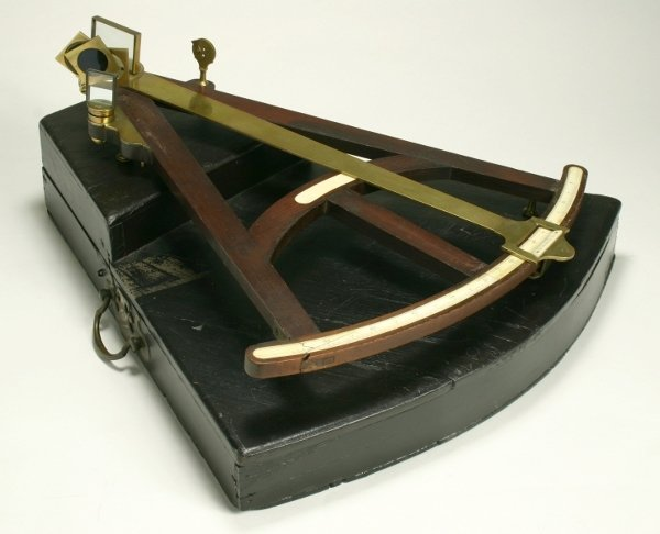 7: AGeorge III mahogany and brass octant, early 19th ce
