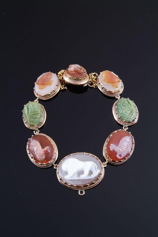1003: A Regency hardstone cameo bracelet, circa 1820, t