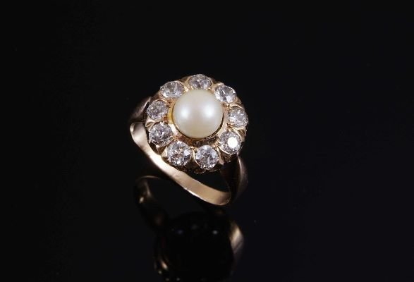 1007: A late nineteenth century pearl and diamond ring,
