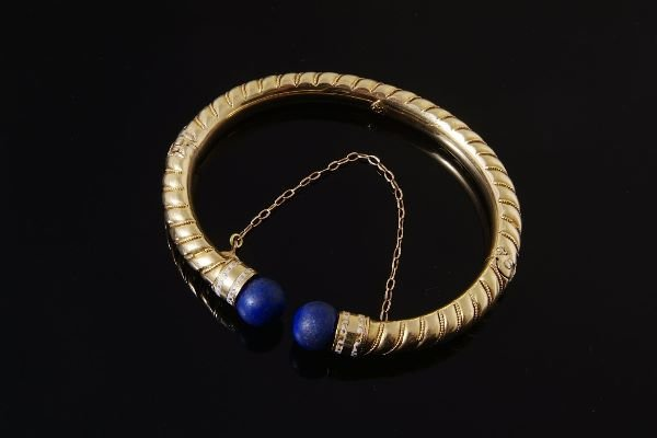 1008: A late Victorian gold, lapis lazuli and enamel ba