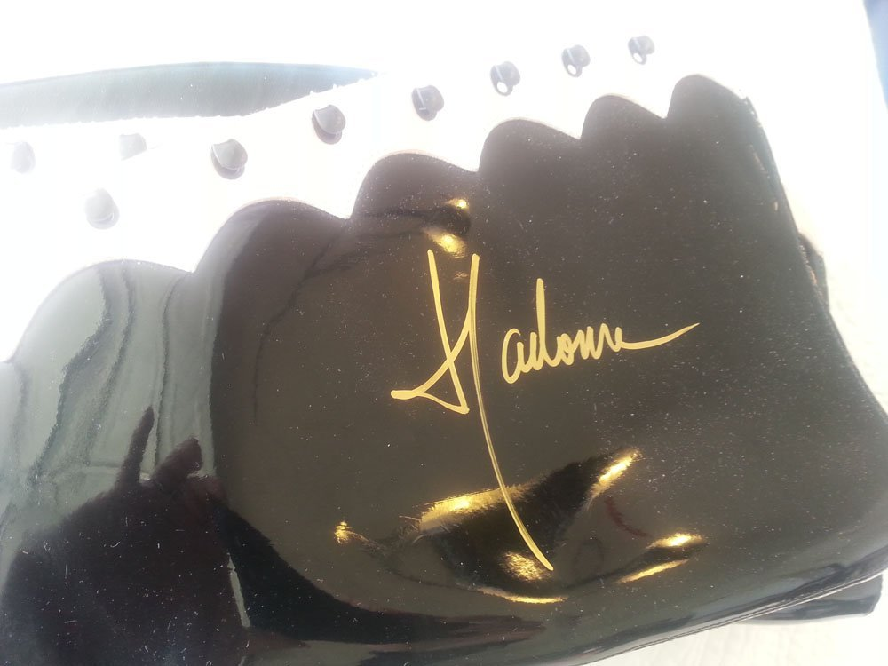 MADONNA SIGNED BOOTS WITH SIGNED BACKSTAGE PASS!!