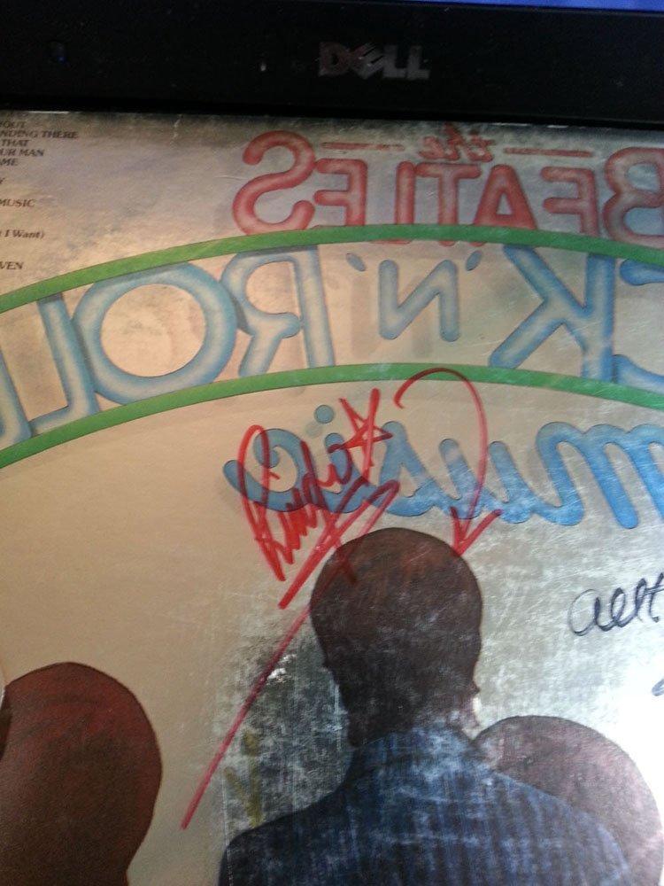 PAUL MCCARTNEY & RINGO STARR SIGNED BEATLES LP FLAT!