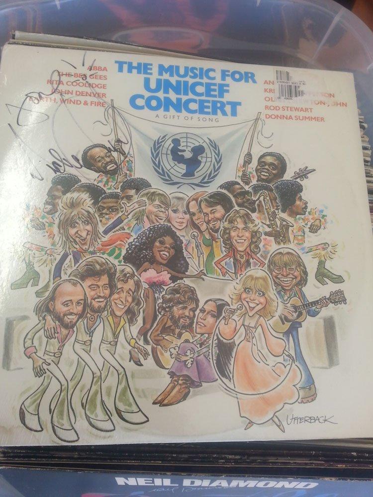 MICHAEL JACKSON SIGNED UNICEF CHARITY LP