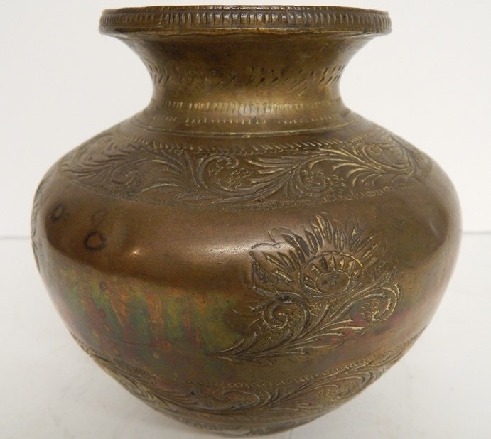 ANTIQUE CHINESES ENGRAVED VASE