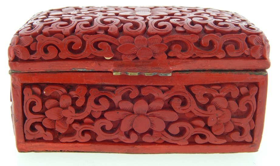 ANTIQUE CHINESE CINNABAR LIDDED BOX