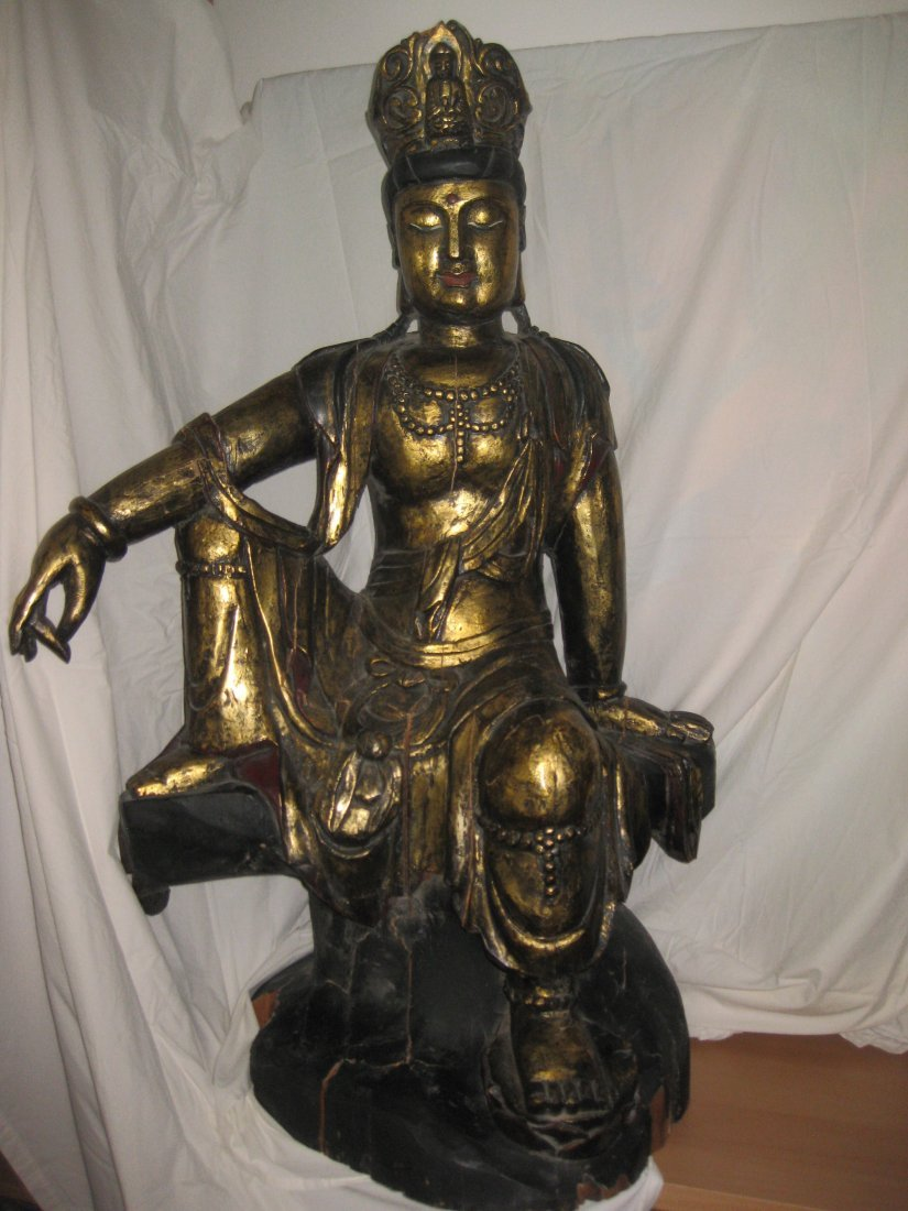 Chinese carved gilt wood seated Buddha, Qing/Ming 107cm