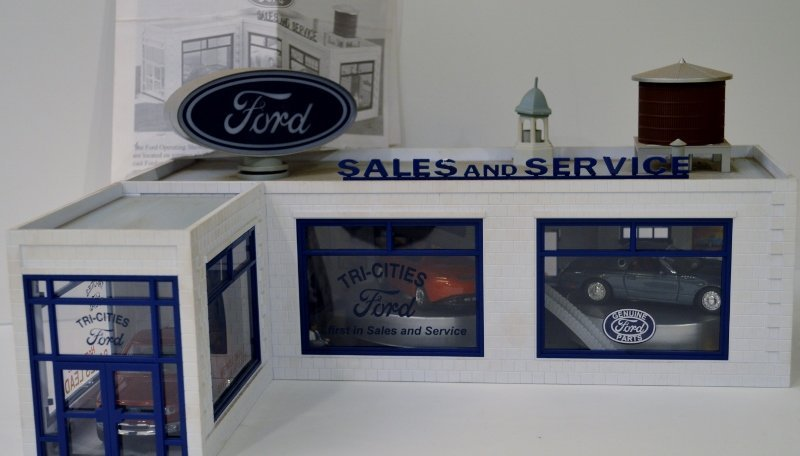 Rail King O-Scale Ford Auto Car Dealership Building Ope
