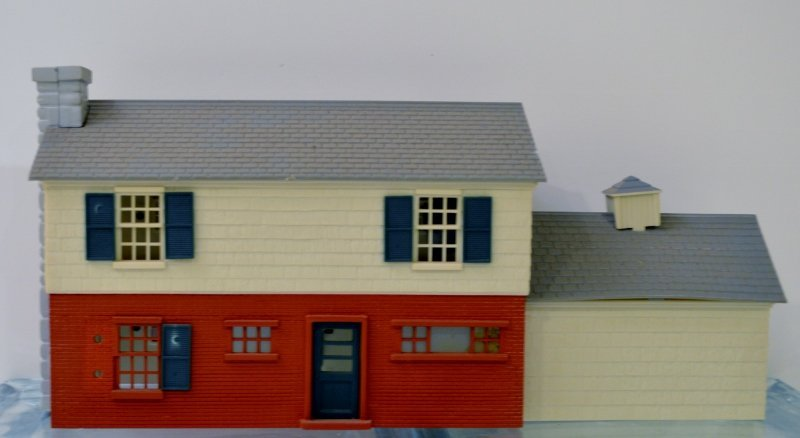 Plasticville O-Scale Colonial Home RARE Gray Roof