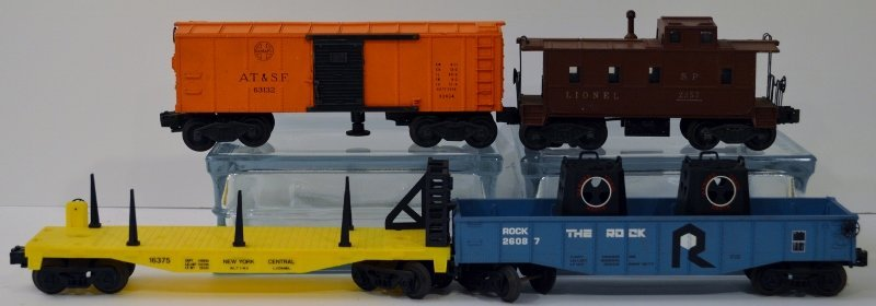 Lionel AT&SF 63132 Operating Box Car, 2357 Caboose, 260
