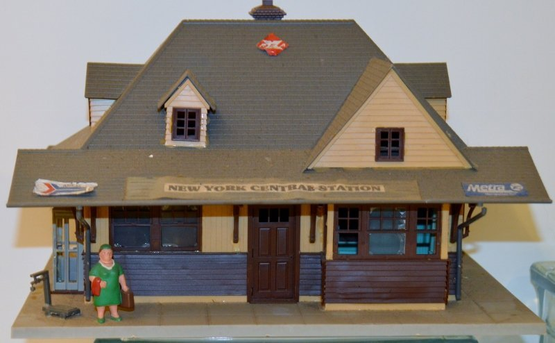 Plasticville O-Scale New York central station version