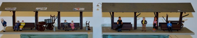 Plasticville O scale train Station with 2 Passenger