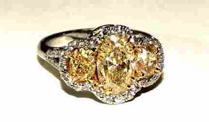 18K & Platinum Ladies Ring with 2.0ct FIY Diamond