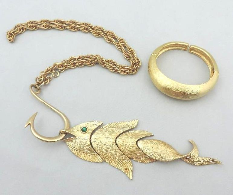 NAPIER GOLD AND EMERALD FISH